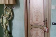 Porte laccate antchizzate con decorazione (2)